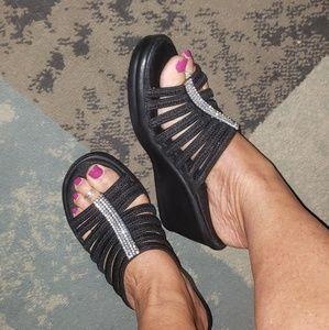Sketchers wedge sandal nwot
